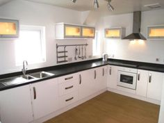 AVAILABLE TO LET ON A SHORT TERM BASIS -  3 bedroom apartment to rent - £550pcm - Taylor Street, Broadgate, Preston, PR1
