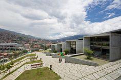 Parque Biblioteca De Medellin