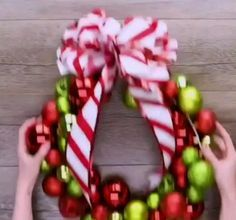 How do you decorate a Christmas wreath? How do you decorate a Christmas wreath? How do you decorate a Christmas wreath? How do you decorate a Christmas wreath? Noel Christmas, Christmas Crafts For Kids, Diy Christmas Ornaments, Christmas Projects, Holiday Crafts, Make A Christmas Wreath, Diy Christmas Gifts Videos, Diy Christmas Wall Decor, Diy Outdoor Christmas Decorations
