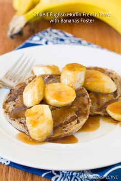 Grilled English Muffin French Toast with Bananas Foster: A delicious recipe from A Spicy Perspective that turns the Nooks & Crannies goodness of a Thomas' Cinnamon Vanilla English Muffins into French Toast. Top with a homemade bananas foster and enjoy! What's For Breakfast, Breakfast Dishes, Breakfast Recipes, Camping Breakfast, Empanada, Banana French Toast, Brunch Recipes, Waffle Recipes, Summer Recipes
