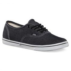VANS Authentic Lo Pro chambray charcoal true white chaussures fines 65,00 € #vans #vansshoes #vansfootwear #vansoffthewall #skateshoes #skateshoe #skate #skateboard #skateboarding #streetshop #skateshop @PLAY Skateshop
