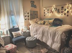 Dorm room lights lighting ideas best cozy on college dorms decoration Cozy Dorm Room, Cute Dorm Rooms, Dorm Room Bedding, Dorm Room Organization, Organization Ideas, Decoration Inspiration, Decor Ideas, Decorating Ideas, College Dorm Rooms