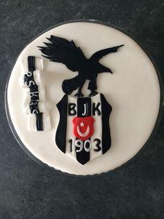 Besiktas pastasi Mickey Tattoo, Viera, Fondant, Birthday Cake, Istanbul, Desserts, Ronaldo, Cupcake, Sport