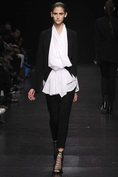 Ann Demeulemeester Spring 2009 Ready-to-Wear Fashion Show - Daiane Conterato (Elite)