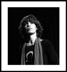 Mick Jagger, (Close-up) Madison Square Garden. Is Autographed?: 1. Black. By: Harry Benson. Item Dimensions: width: 3000, height: 4000 hundredths-inches. 40x30 in. Type media: Archival Pigment. Signed, titled, dated and 5 of 35 on recto.