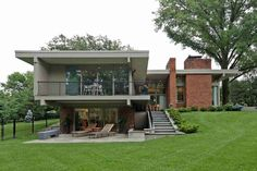 I found myself staking homes for sale the other night and came across this stunning renovation of a mid century modern home design by Ted Christner in St. Louis MO. The house is amazing with the back section almost cantilevered along a sloping hill. For the most part I love what was done on the …