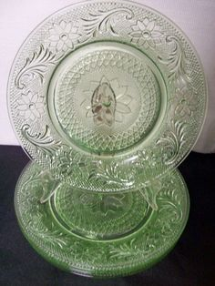 "Sandwich Glass Factory | Depression "" Sandwich "" Indiana Glass Co. Luncheon Plates from cbe on ..."