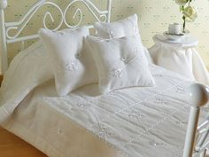 Miniature 1:12 Scale White Eyelet Machine Quilted Bedspread and pillows by TheLittleEmptyNest