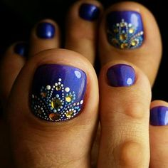 Toe Nail Art Collections To Make You Look Perfect - Nail Polish Addicted Pedicure Nail Art, Pedicure Designs, Diy Nail Designs, Toe Nail Art, Diy Nails, Pedicure Ideas, Blue Pedicure, Summer Toenail Designs, Toenail Polish Designs