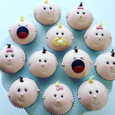 Perfekte småkaker til #babyshower #dåp og #navnefest #cupcakes #inspiration #baby #detlilleekstra #dinbabyshower www.dinbabyshower.no
