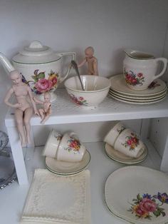 Wonderful Ellar childs tea set toy with 12th scale miniature porcelain doll family, Lady doll articulated