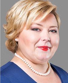"""Ewa Kulikowska z domu Fiłonowicz (ur. 12 grudnia 1976 roku w Sokółce). W 2010 r. wystartowała w wyborach samorządowych do Rady Powiatu Sokólskiego z list PSL.. Otrzymała mandat i jest radną tej kadencji. Obecnie kandyduje na Burmistrza Sokółki z list PSL. Hasło wyborcze: """"Przywrócę Sokółkę Ludziom!"""""""