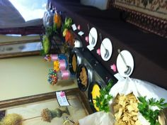Nacho bar for grad party Super Bowl Party, Nacho Bar, Grown Up Parties, Grad Parties, Appetizer Recipes, Appetizers, Graduation Food, Food Stations, Fiesta Party