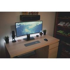 """1,530 Likes, 3 Comments - Mal - PC Builds and Setups (@pcgaminghub) on Instagram: """"An incredibly clean ultrawide setup.  By: u/rackemrakbar.  Check out the link in my bio! Tag a…"""""""
