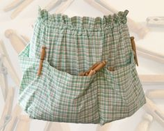 MaryJanesFarm | Recipes-Patterns-Instructions Clothespin Apron | Scroll down the list for the .pdf link.