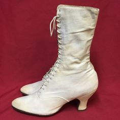 Victorian Ladies White Canvas High Top Boots. Lace-Up Shoes.  Antique, womens, lace-up boots. From the Victorian era. Canvas, which has