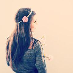 Headband mariéé à fleur en organza vieux rose, dentelle ancienne et cristal - mariage romantique.