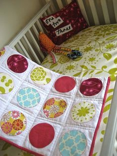 adorable circle baby quilt - @Brenda Franklin Williams Smith.  Is this really complicated though?
