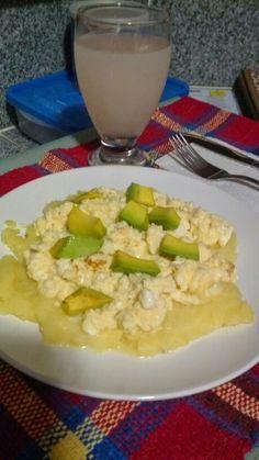 Pure de Papas + Huevos Revueltos