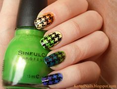 Coloured houndstooth manicure