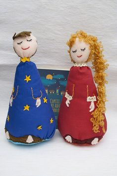 Copiii care aduc somnul! Alexandra Pintea Varnava, Vera Grama; Varsta: 2+ Max și Mara sunt doi frați năstrușnici cu rol important: fără ajutorul lor nici un copil din lumea asta nu ar putea adormi seara! Ei locuiesc sus de tot, pe cer și împrăștie steluțe aducătoare de somn. Dacă uneori la ceas târziu copiii voștri-s tot fără poftă de mers la culcare, ei bine, înseamnă că cei doi au făcut o boacănă… Poveste cu jucarii.