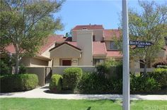Simi Valley 2+2 townhome, represented seller, sold 350k. Check out this listing: http://portal.ikenex.com/share/NDg0NDY5OTk5105/14c32/5648114