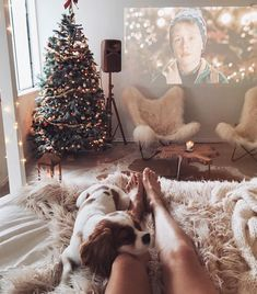 Hygge-Inspired // The comfiest Christmas ever Christmas Mood, Noel Christmas, Little Christmas, All Things Christmas, Christmas Movies, Hygge Christmas, Home Alone Christmas, Christmas Holidays, Christmas Tumblr