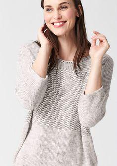 Vokuhila-Pullover von s.Oliver PREMIUM. Von der Trendfrisur zum Modetrend: Der VOrne-KUrz-HInten-LAng-Schnitt ist einfach nicht unterzukriegen. Kuschelig warm ist der graue Strickpulli übrigens auch.
