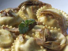 Muccasbronza: Ravioloni di carciofi patate e mentuccia