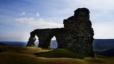 The ruin of Castell Dinas Bran (Crow City Castle), which stands above the town of Llangollen, is the site of this tragic love story.