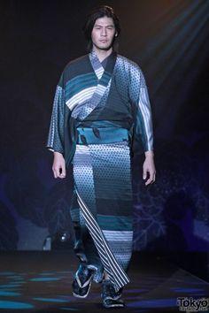 Jotaro Saito A/W 2012/2013 kimono fashion show.