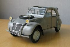 Citroen 2CV Sahara 1/24 Scale Model