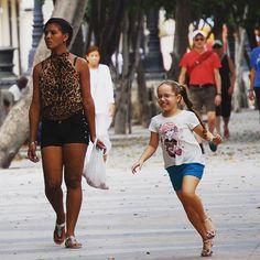 I love watching people walking on Prado. Havana January 2016.  #picoftheday #picturesofcuba #havana #cubana #havanavieja #oldhavana #cubanas #cubano #cubaisland #cubaiscoming #thenewcuba #travel #sancristobal #paladar #paladarsancristobal #obamavisitcuba #streetphotography #streetstyle #fashion #steetsfashion #bicycle #sunnyday #centrohavana #lahabana #lacalle #plazavieja #americancars #mulata by picturesofcuba