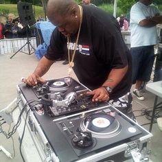 Biz Markie with a pair of custom technics turntables made for spinning 45s exclusively.
