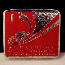 Vintage Makeup Souvenir of an Art Deco Red Enamel Silver Tone Metal Powder Compact 1934 Chicago's World's Fair. Vintage Makeup, Vintage Vanity, Vintage Purses, Vintage Tins, Vintage Ideas, Art Nouveau, Radios, Lipstick Case, Statues