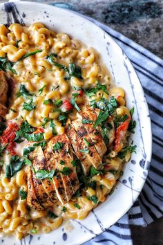 Cajun Chicken with Sundried Tomato & Spinach Mac n' Cheese Sundried Tomato Recipes, Sundried Tomato Chicken, Spinach Recipes, Pasta Recipes, Chicken Recipes, Cooking Recipes, Healthy Recipes, Chicken Tomato Cheese Recipe, Pasta With Sundried Tomatoes