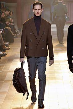 LANVIN Autumn/Winter Paris Fashion Week, Lucas Ossendrijver and Alber Elbaz always energize their Lanvin menswear collections with power Men's Fashion, Fashion Week, Paris Fashion, Fashion Show, Fashion Design, Fashion Coat, Runway Fashion, La Mode Masculine, Men Formal