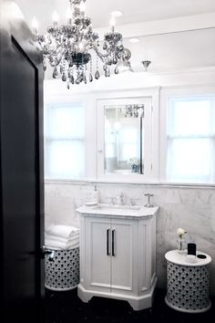 AMERICAN DREAM BUILDERS - Colonial style - AFTER - MASTER BATH - Dream Bathroom challenge designed by Lukas Machnik DreamBuilders on #NBC hosted by #NateBerkus - www.LukasMachnik.com #LukasMachnik #Colonial #Lowes