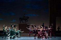Avec Roméo et Juliette, Rudolf Noureev s'empare du souffle épique de l'un des chefs-d'œuvre de Serguei Prokofiev.