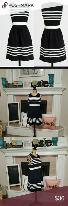J.crew striped Daybreak dress size medium Falls just above the knees, cotton and spandex mix, back zipper closure, side seam pockets. Waist 30 in armpit to armpit 18 in length 33 in. Excellent condition with no signs of wear J. Crew Dresses Mini