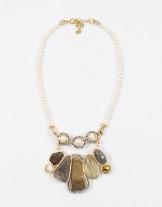Collares-y-dijes-Convertible Collar 2 en 1 sencillo de perlas con centro de perlas blancas, marco de zirconias plateadas con extensión removible de piedras maxi ahumadas.