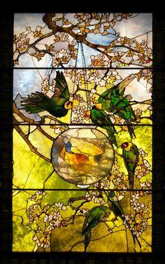 TIFFANY Попугаи и аквариум с золотой рыбкой
