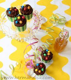 Kermaruusu: Suklaa-sitruunamuffinssit Cake, Desserts, Food, Tailgate Desserts, Deserts, Kuchen, Essen, Postres, Meals