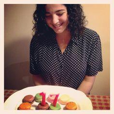 #macarons cake