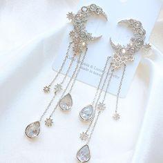 Tiffani Roolia Please don't reload, Diy Abschnitt, Ear Jewelry, Cute Jewelry, Jewelry Accessories, Jewelry Design, Kawaii Jewelry, Cute Earrings, Beautiful Earrings, Fashion Earrings, Fashion Jewelry