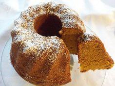 Das perfekte Kürbiskuchen-Rezept mit Bild und einfacher Schritt-für-Schritt-Anleitung: Zucker, Eier schaumig rühren, Öl , Kürbiskompott, Haselnüsse…