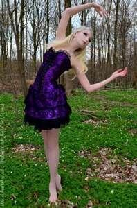 Maria Amanda Gothic in Purple Hot Goth Girls, Gothic Girls, Dark Beauty, Gothic Beauty, Gothic Chic, Amanda, Steam Girl, Gothic Models, Victorian Goth