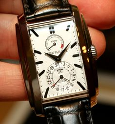 Patek Philippe 5200 Gondolo 8 Day Watch Hands-On