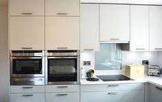 German Kitchen, Kitchen Design, Kitchen Cabinets, Home Decor, Cuisine Design, Decoration Home, Room Decor, Kitchen Base Cabinets, Kitchen Designs