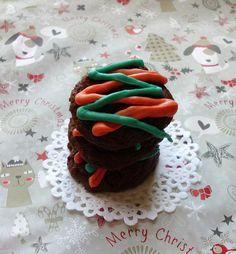Triple Chocolate Christmas Cheesecake Cookies   www.pinkrecipebox.com